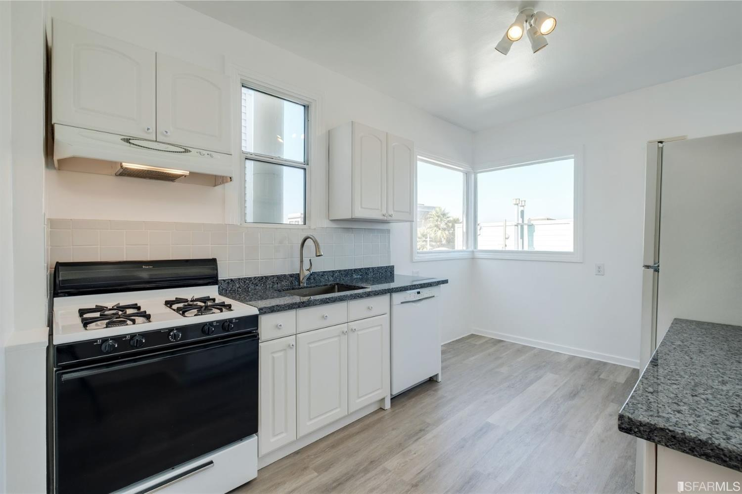 Listing 507854 : 2250  Greenwich Street, San Francisco, CA, 94123  (photo 25)