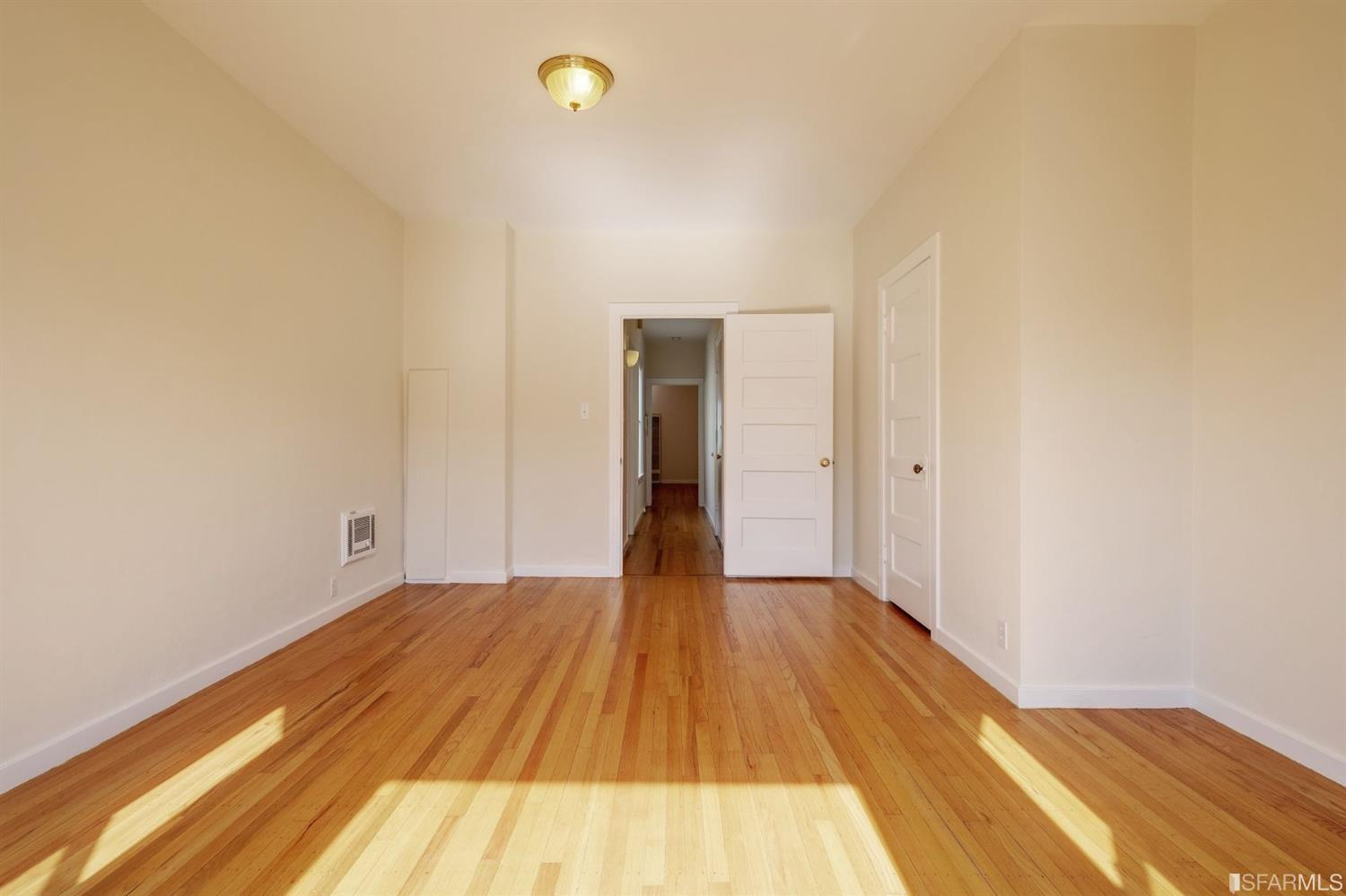 Listing 507854 : 2250  Greenwich Street, San Francisco, CA, 94123  (photo 22)