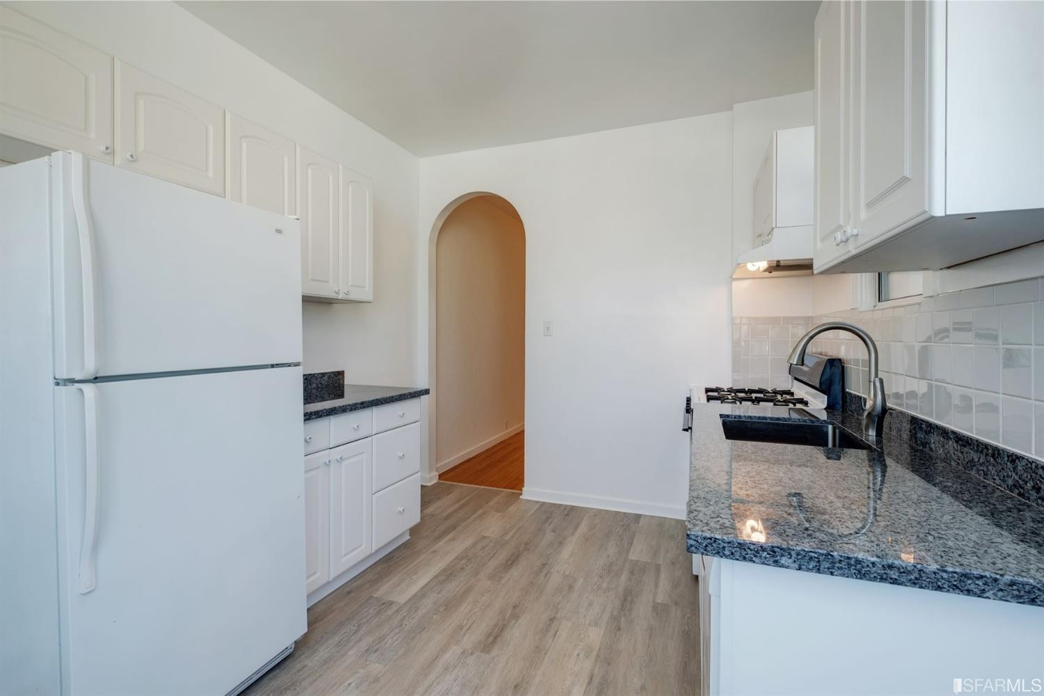 Listing 507854 : 2250  Greenwich Street, San Francisco, CA, 94123  (photo 24)