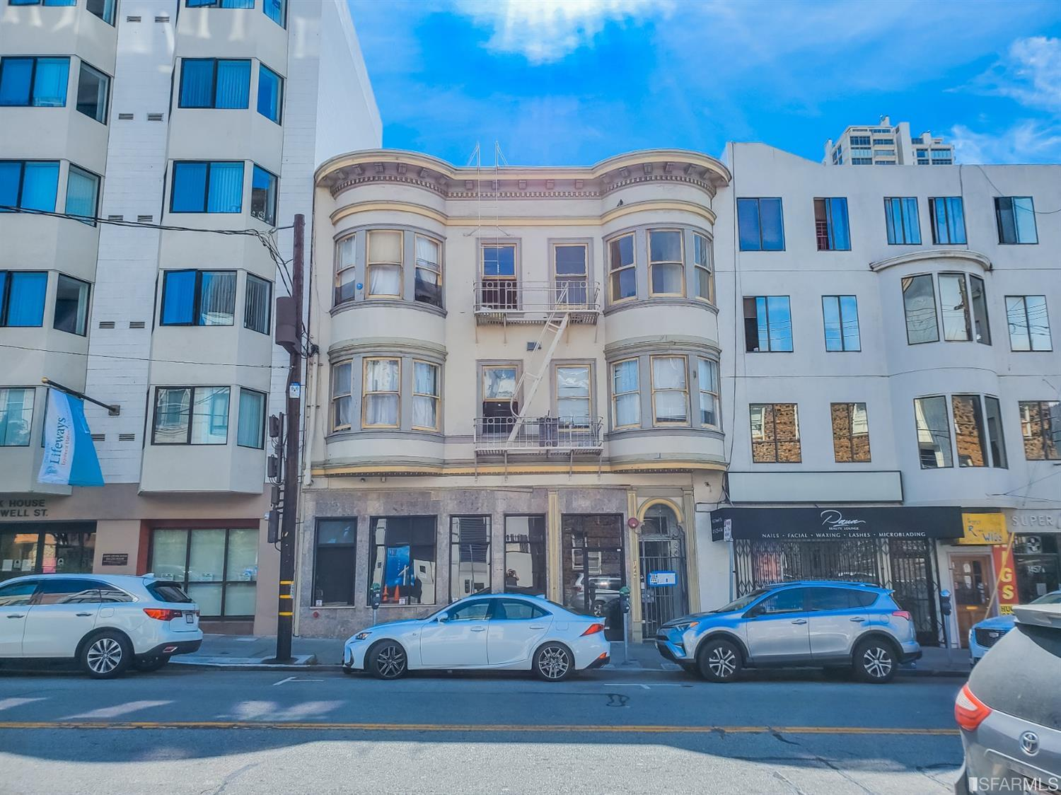 1443-1449 Powell St & 805 Vallejo St is a mixed-use residential hotel located in the North Beach district of San Francisco. The property is on a 4,901 SF parcel and consists of 2 commercial, 8 apartment, and 19 single room occupancy (SRO) residential units. Recent capital improvements to the building include the updating of the common areas and ten units. Additionally, there are four bonus unwarranted units that are accessible off 803 Vallejo. Residents of the property enjoy a stellar location and are walking distance to Washington Square Park, Columbus Avenue, Chinatown, and the Financial district.
