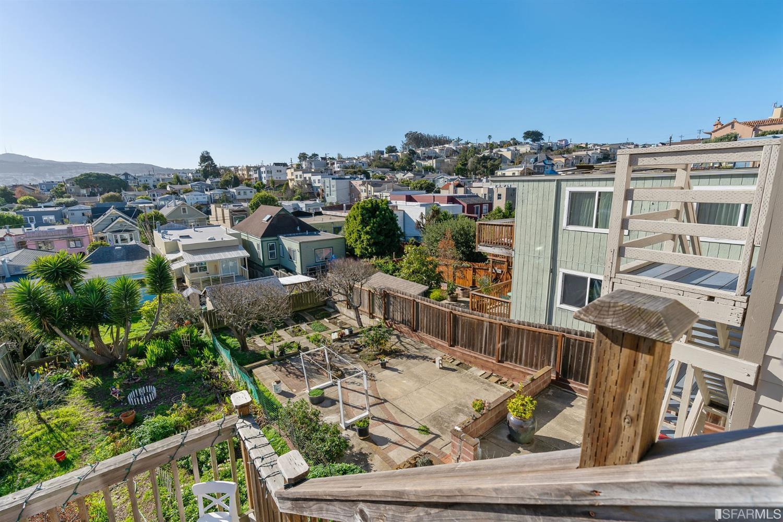 Listing 514238 : 359-361  Hearst Avenue, San Francisco, CA, 94112  (photo 44)