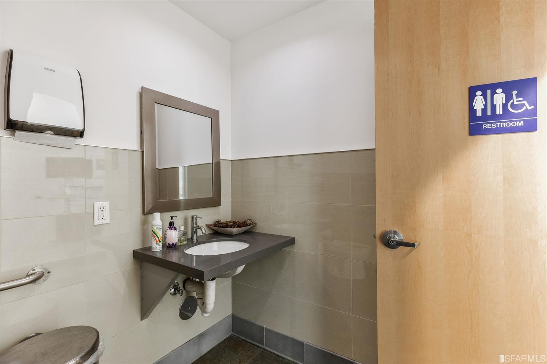 Listing 421524490 : 1336  Van Ness Avenue, San Francisco, CA, 94109  (photo 14)