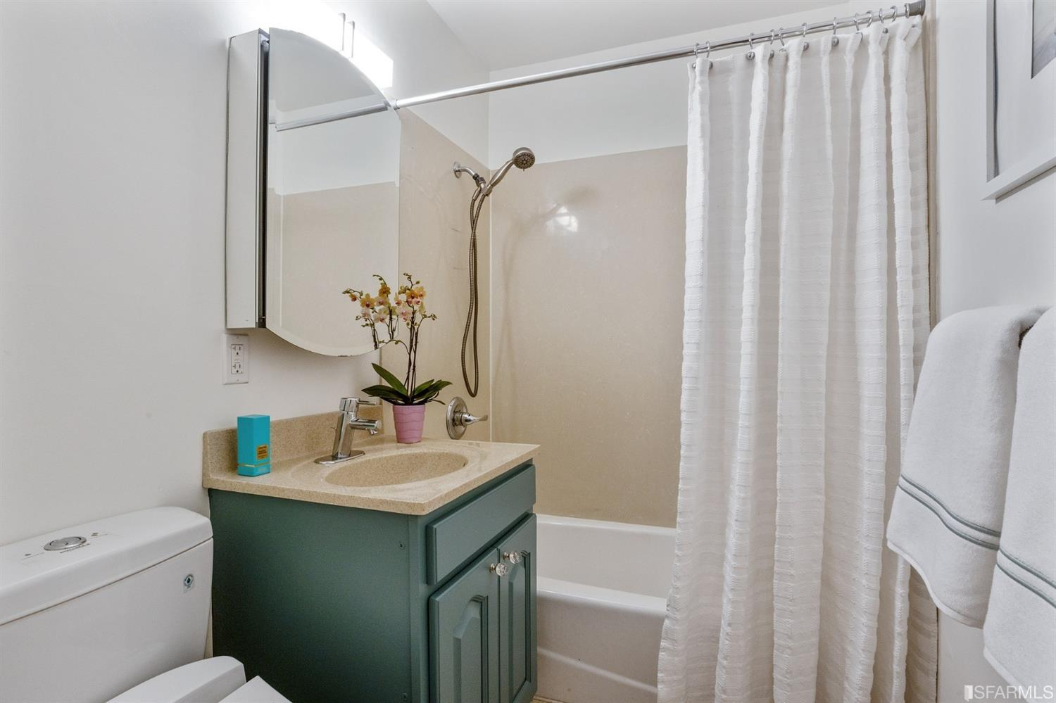 Listing 421526678 : 25  Galilee  1, San Francisco, CA, 94115  (photo 15)