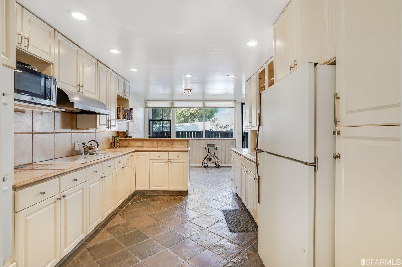 Listing 421531375 : 45  Cleary Court 4, San Francisco, CA, 94109  (photo 3)