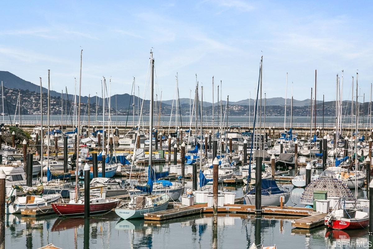 Listing 421536417 : 2519  Chestnut Street, San Francisco, CA, 94123  (photo 65)