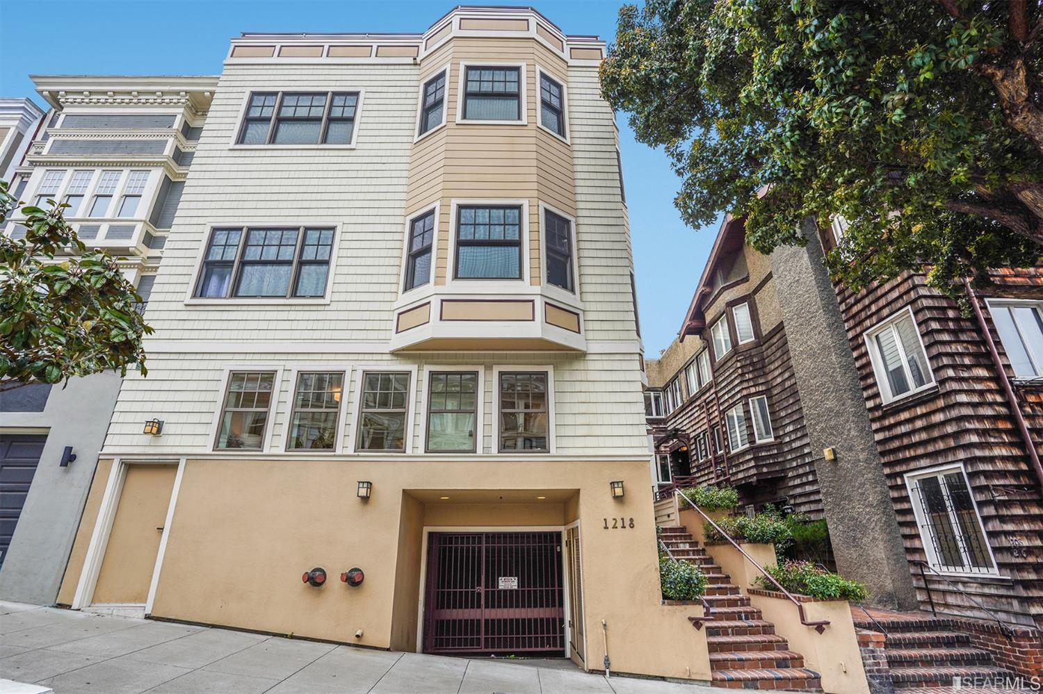 Listing 421541681 : 1218  Leavenworth Street 1, San Francisco, CA, 94109  (photo 1)
