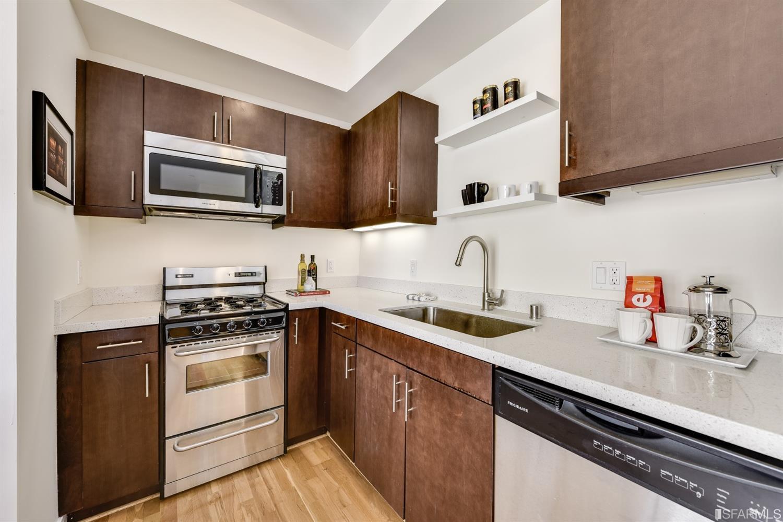 Photo #5: Kitchen