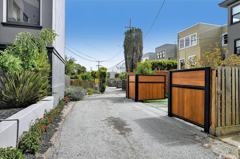 Listing 421559836 : 2617  Lake Street, San Francisco, CA, 94121  (photo 34)