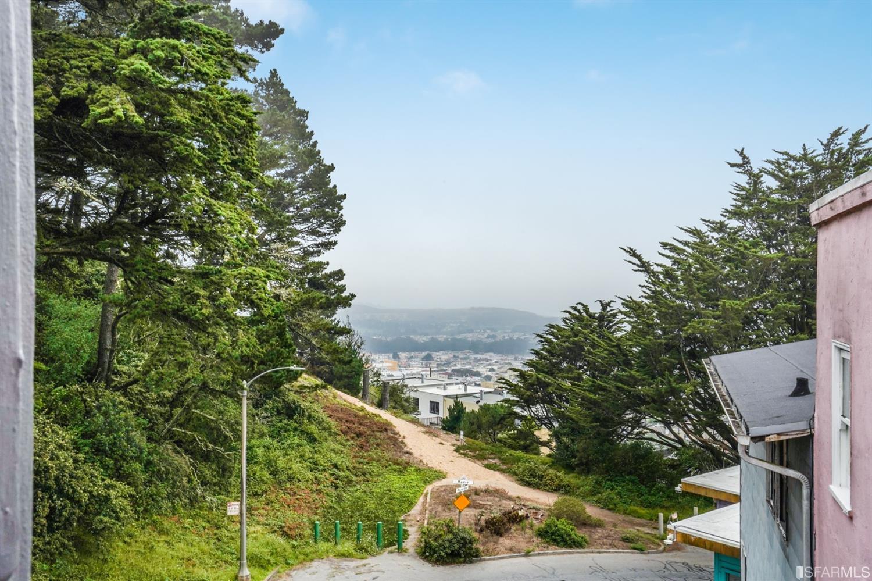 Listing 421588948 : 70  Rockridge Drive, San Francisco, CA, 94116  (photo 13)
