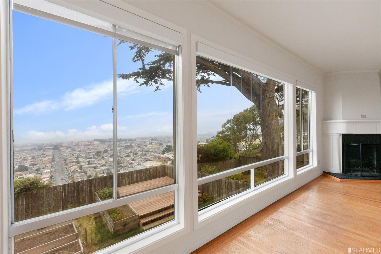 Listing 421592071 : 2207  12th Avenue, San Francisco, CA, 94116  (photo 3)