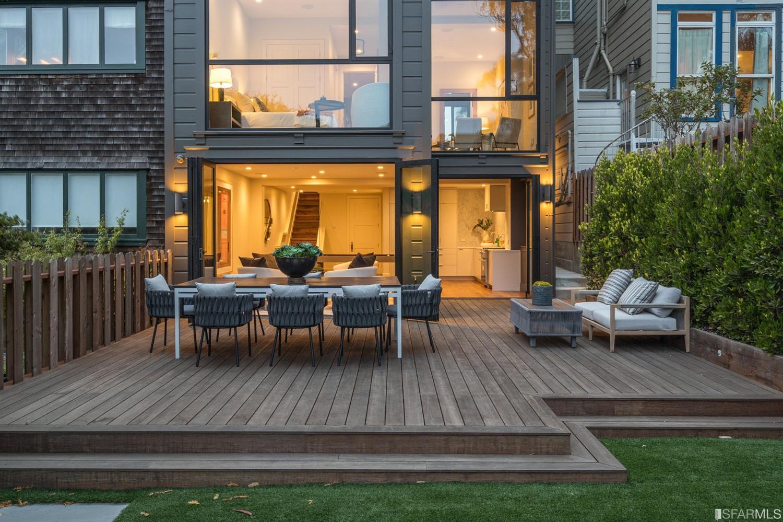 Listing 421595396 : 1039-1041  Green Street, San Francisco, CA, 94133  (photo 49)